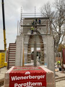 Zajlik az építkezés